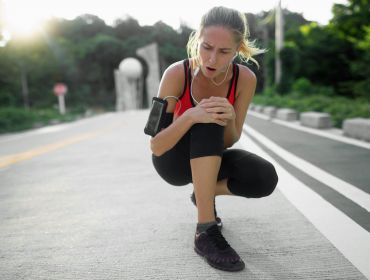 5 Reasons You Keep Getting Injured (And What to Do to Reduce Sports Injury Risk)