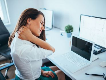 4 Ways to Keep Your Body Healthy & Pain-Free if You Have a Desk Job